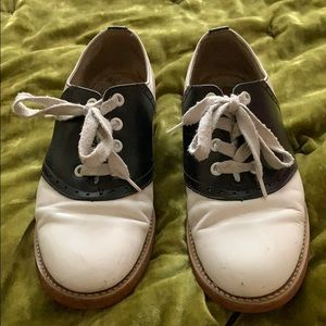 Willits black and White saddle oxfords